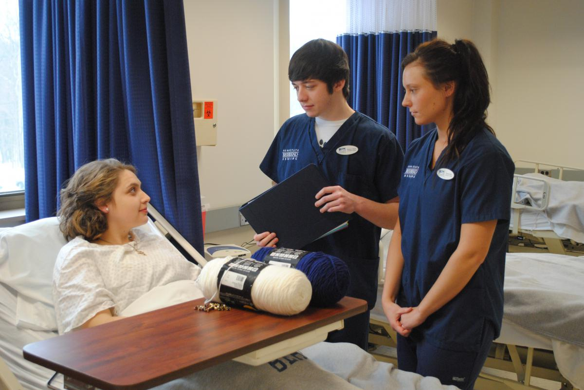 Penn State Nursing >> Nursing Students Greeted With Surprise Patient Penn