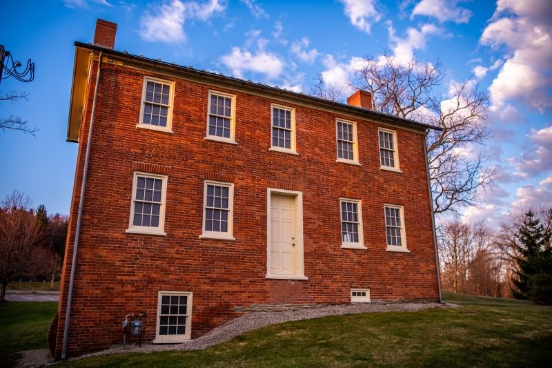 The exterior of the Federal House at Penn State Behrend