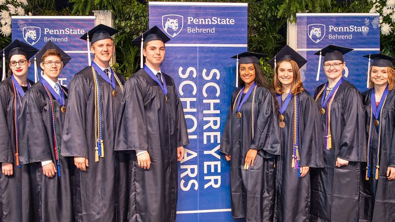 2018 Behrend Schreyer Honors College graduates pose at commencement