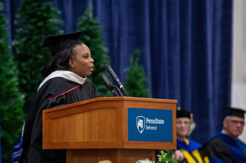 Penn State Behrend alumna Tesha Nesbit Arrington delivers the commencement address at the college's fall commencement ceremony.
